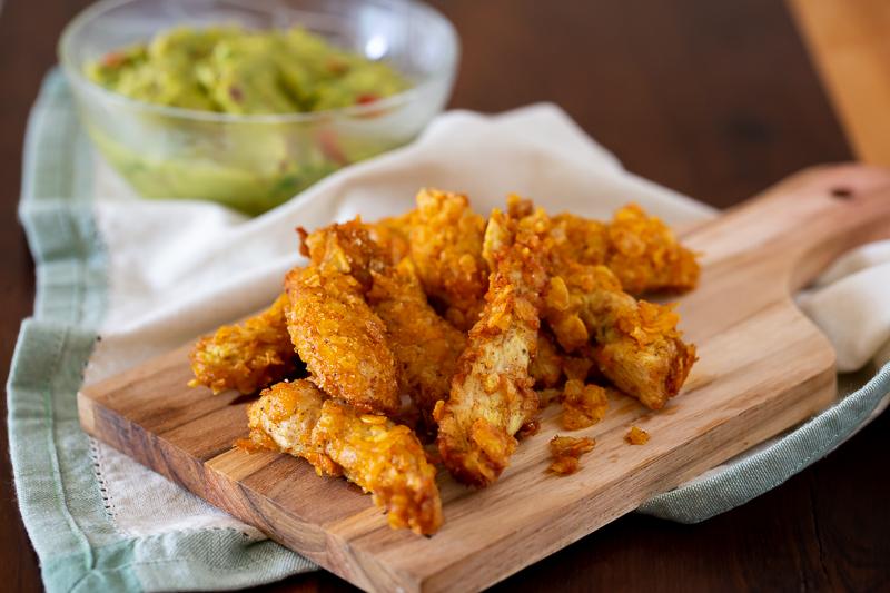 Palitos de frango empanado em flocos de milho